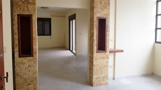 Apartment in Amchit - Old Apartment in Good Condition For Sale in Amchit Jbeil