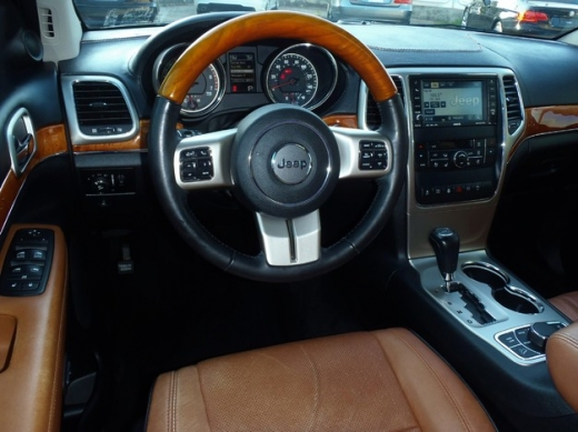Jeep in Sin El Fil - GRAND CHEROKEE 2011,overland,hemi,fully loaded,clean carfax
