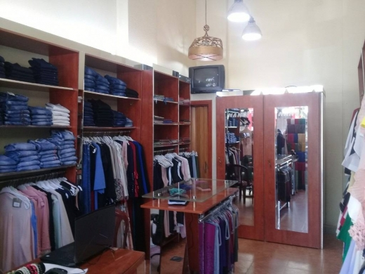 Shop in Abou Samra -   محل للبيع في ابي سمراء ساحة الشراع