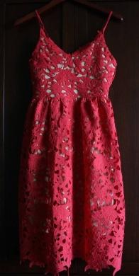 Dresses in Mkalles - Beautiful Red dress