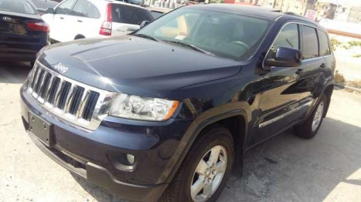 Jeep in Sad el-Baouchrieh - Jeep Cherokee, Laredo, 4x4, model 2013,