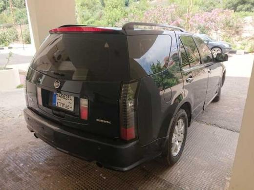 Cadillac in Beirut City - Cadillac SRX 2006