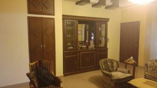 Apartment in Hadeth - شقة مميزة خمسة غرف للبيع
