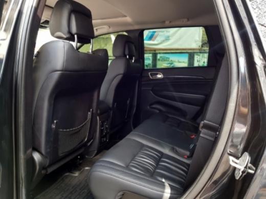 Jeep in Mkalles - Jeep Cherokee 4X4 Laredo 2012