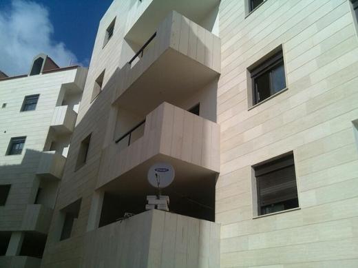 Apartment in Kleiat - شقة للأجار - القليعات