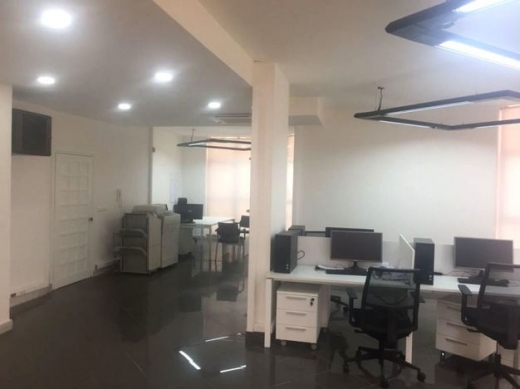 Office Space in Zalka - Office with Terrace for sale in Zalka prime location