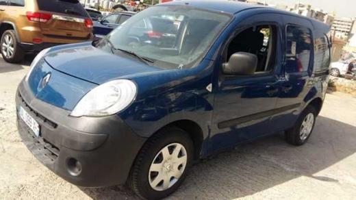 Renault in Sad el-Baouchrieh - Renault Kangoo, 1.6 V, 5 Doors, model 2011