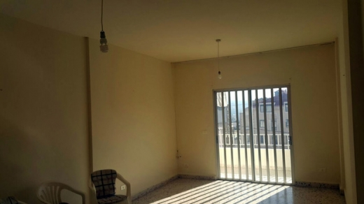Apartment in Amchit - Apartment For Rent In Amchit Old Building In Good Condition
