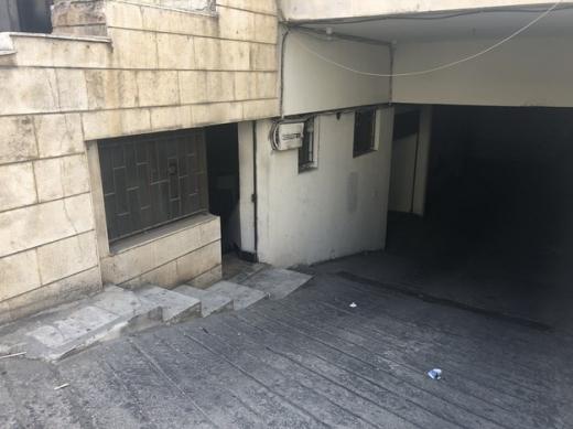 Shop in Sad el-Baouchrieh - محل للايجار بالسبتية شارع ملحمة السلطان بناية العويناتي