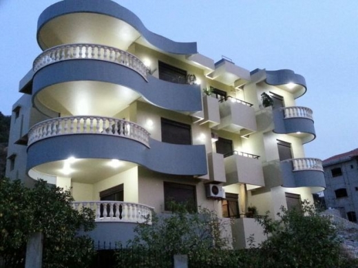 Other real estate in Jbeil - Building For Sale in Berbara