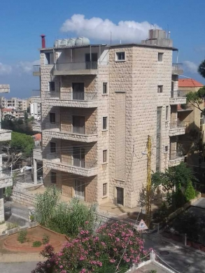 Other real estate in Furn Al Chebak - بناية للبيع في برمانا