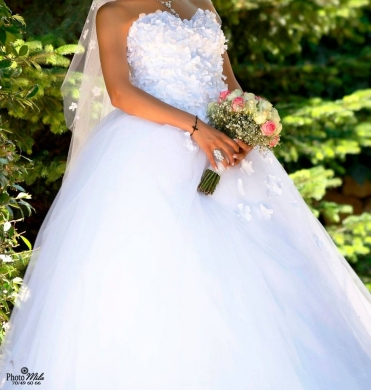 Wedding Dresses in Hboub - Wedding dress for Sale Or Rent with Veil