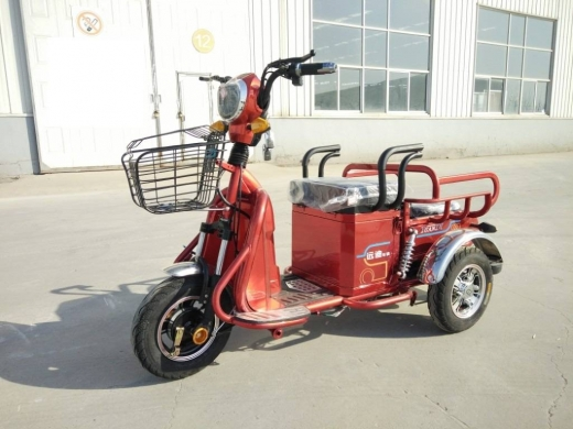 Sports, Leisure & Travel in Bourj el Barajneh - Dreirad Electric Motorbike E-Trike E SCOOTER for older / Disabled people 48V 500W Lead Acid Battery