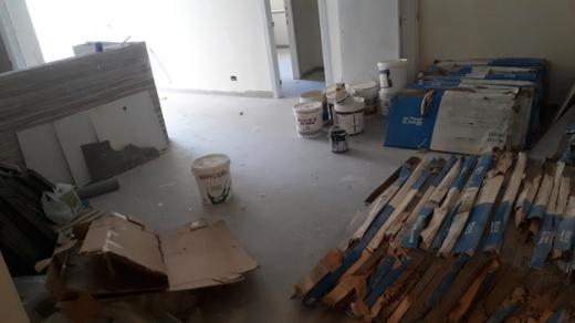 Apartment in Zouk Mikaël - زوق مكايل طابق ارضي 70م تراس 30م موقف سوسول و كاف 110.000$ 71001611