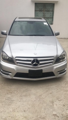 Mercedes-Benz in Zouk Mosbeh - mercedes c250 model 2012 clean carfax one owner