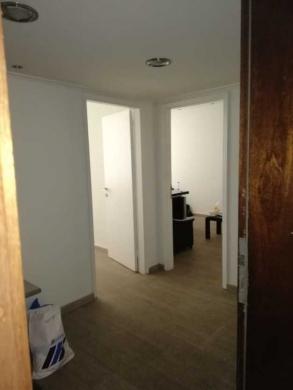 Office Space in Sad el-Baouchrieh - مكتب مع ديكور وفرش 55م٢ للبيع أو للايجار في سد البوشريه