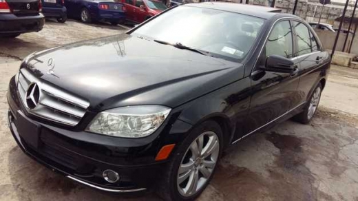 Mercedes-Benz in Sad el-Baouchrieh - Mercedes-Benz, C300 4 MATIC, model 2011, 80000 Miles (ONLY