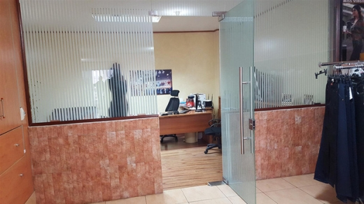 Shop in Sad el-Baouchrieh - Commercial Space For Rent In Bouchrieh