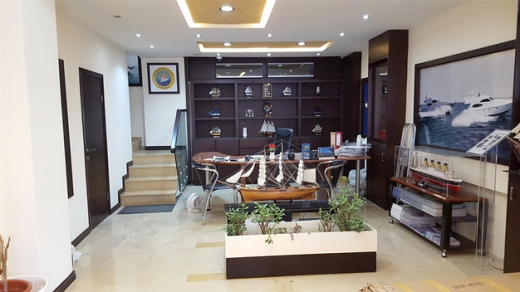 Shop in Zalka - Ground Floor Shop For Rent In A Prime Location In Zalka