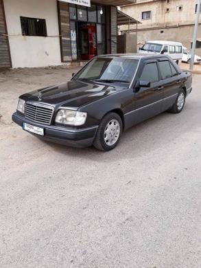 Mercedes-Benz in Abdeh - سيارة 300 انقاض موديل 91