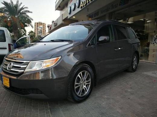 Vans in Al Hiri - Honda Odyssey EXL MODEL 2012