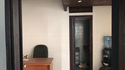 "Office Space in Hazmieh - مكتب ""مفروش"" للايجار في وسط الحازمية- سنتر تجاري"