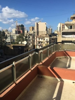 Apartment in Sanayeh - Newly renovated 2 bedroom apartment for rent in Sanayeh area.