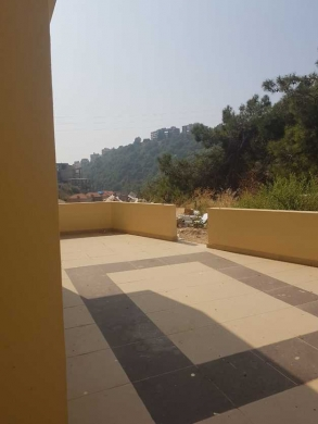 Apartment in Jounieh - Apartment in Awkar for sale 185 m2 + 40m2 terrace