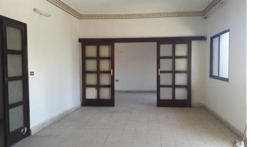 Apartment in Haret Hreik - شقة لقطة على أطراف حارة حريك للبيع مع السطح