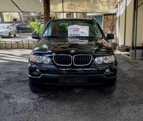 BMW in Al Bahsas - BMW X5 black 3.0 V6 2004 panoramic