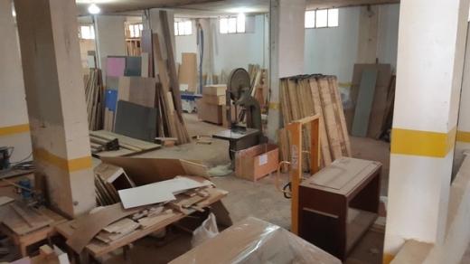 Warehouse in Tahouitet El Ghadir - مستودع للبيع 600م2 ارتغاع 4.25 م 3 جهات فوق الارض منور