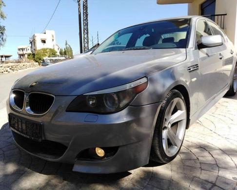 BMW in Anfeh - Bmw 530 2005 look m5 orginal
