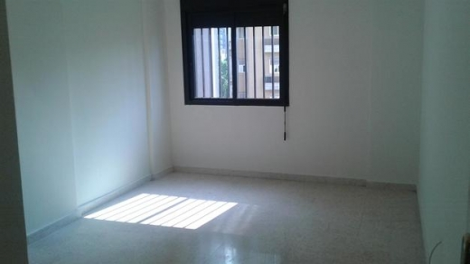 Apartment in Zalka - Small apartment of 100 sqm available for rent in Zalka