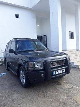 Land Rover in Zgharta - Range rover vogue hse 2004
