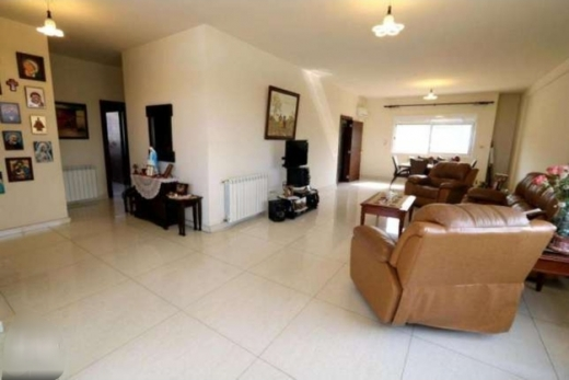 Apartments in Naccache - شقة سوبر دولكس ٢١٠م في انطلياس-النقاش كاشفة بحرا وجبل مقابل Maison M