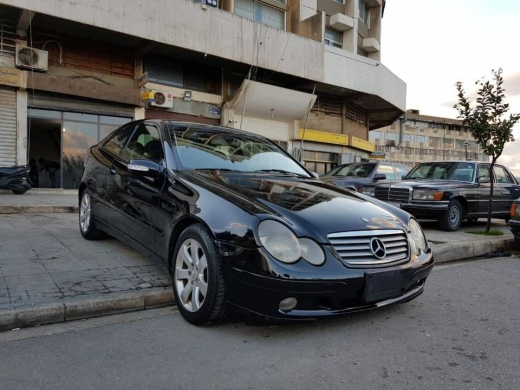 Mercedes-Benz in Al Bahsas -  Mercedes-Benz C230 model 2003