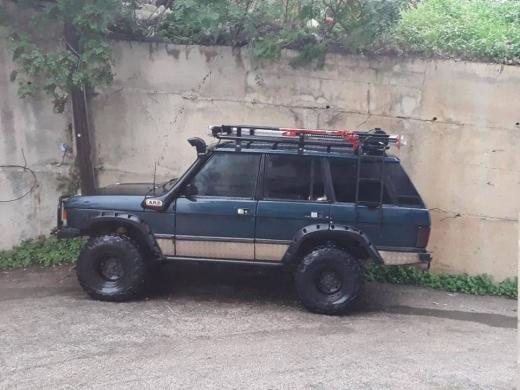Land Rover in Al Bahsas - range rover 1987