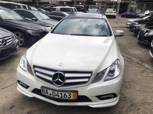 Mercedes-Benz in Beirut City - Mercedes E350 coupe 2012