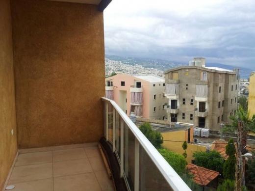 Apartments in Amchit - شقة للبيع في عمشيت