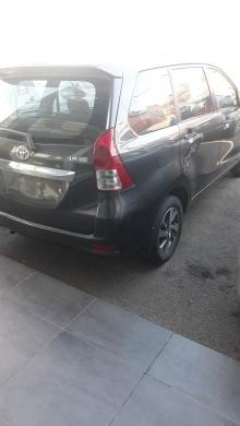 Toyota in Baabda - تويوتا افانزا للبيع مع نمرة حمراء