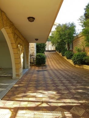 Villas in Mtaileb - Villa for Rent in Rabieh