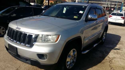 Jeep in Sad el-Baouchrieh - Jeep Grand Cherokee Laredo - model 2012