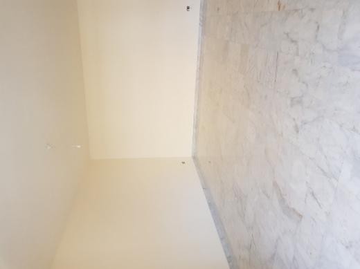 Apartments in Rawche - شقة للبيع في الروشة، ٢٥٠ م٢