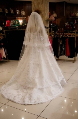 Wedding Dresses in Aramoun - بدلة بيضا / wedding suit / Designer Wedding Dress (Excellent Condition
