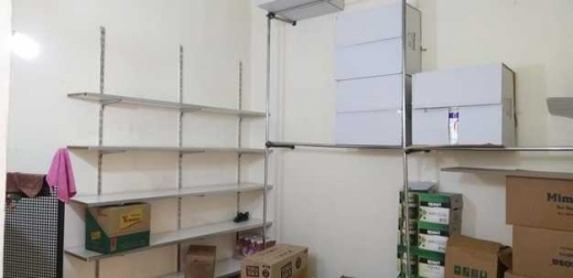 Shop in Al Muallaqa - Shop for rent in zahle maalaka main road