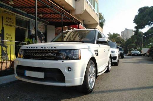 Land Rover in Tripoli - Range Rover Sport 2012