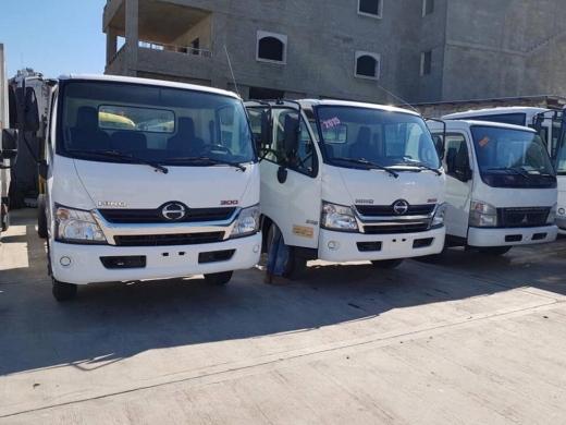 Vans, Trucks & Plant in Al Beddaoui - Hino 714 freezer