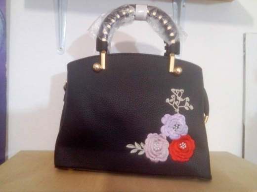 Women's Bags & Handbags in Bikfaya - women purse