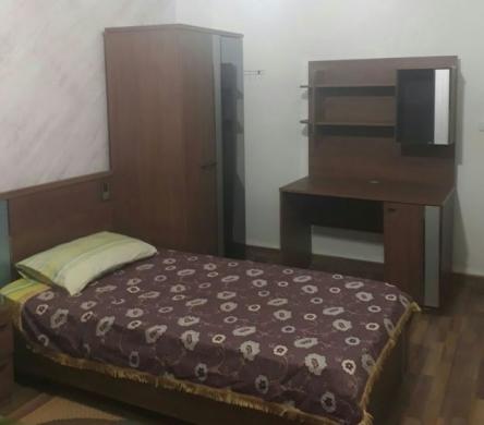 Show Room in Hamra - A Nice sharing room for a girl in Hamra - غرفة حلوة مشتركة لصبيه بالحمرا