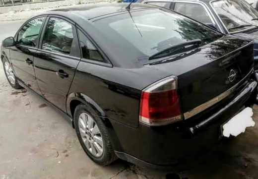 Opel in Taalabaya - للبيع اوبل فكترا ٢٠٠٤ اربعة سلندر فتيس عادي انقاض بشتورا
